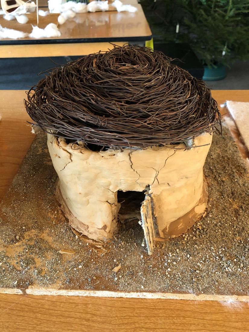 Foto 09: Lehmhütte- künstlerisches Modell